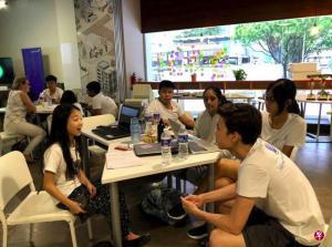 瑞士信贷为中学生 推出创业教育训练营